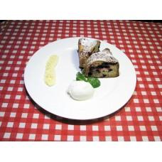 Вишневый пирог с ванильным соусом