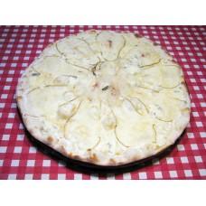 Пицца с грушей на сливочном соусе