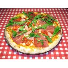 Пицца четыре мяса на пышном корже