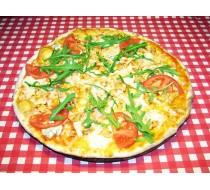 Пицца с куриным филе и сыром дор-блю