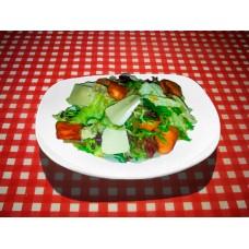 Теплый салат с семгой и сыром Камамбер